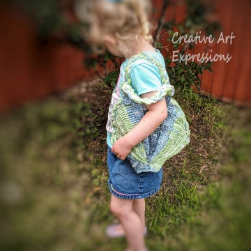 Seashell Clam Purse, Crocheted, Lime Green & Blue, Silver Poly Satin Lined, Small, Mermaid Necessities, Ocean Crochet, Seashell Decorated Purse, Unqiue Girl Gift, Ready to Ship,