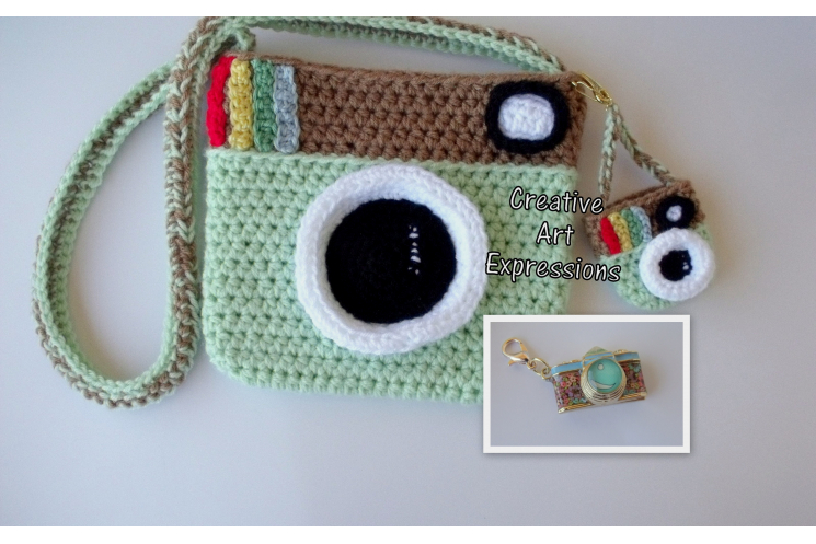 Menthe Green Camera Purse