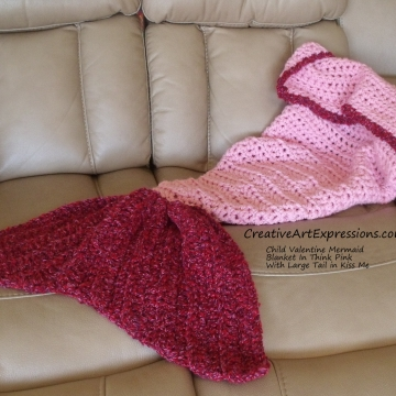 Mermaid Blanket Child Large Fin in Kiss Me & Think Pink