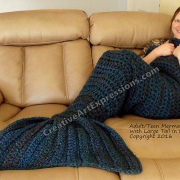 Mermaid Blanket Large Fin in Lagoon