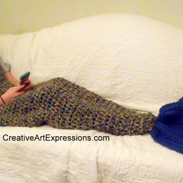 Mermaid Blanket Child Large Fin in Abalone and Ocean