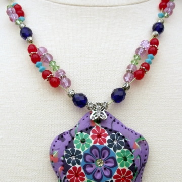 Clearance-Was $25.00 Now $15.00 Creative Art Expressions Handmade Red Green Purple Blue Flower Beaded Necklace Jewelry
