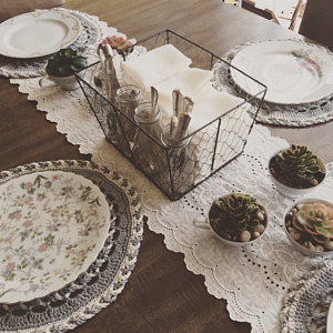 Round place mat table set up